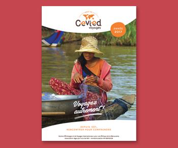 design couverture brochure touristique